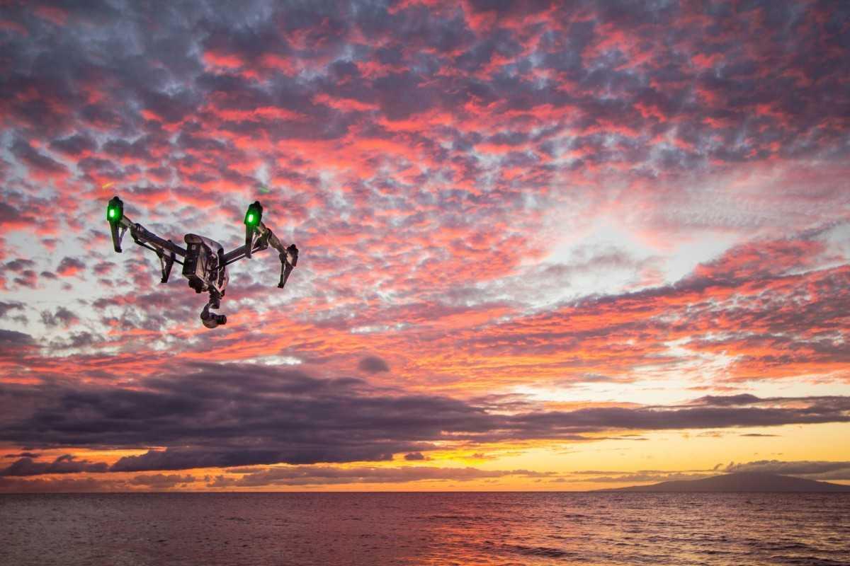 ALERTA drone ou quadricóptero